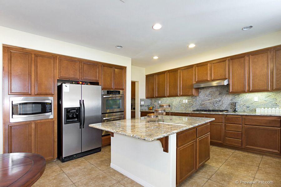Corona kitchen