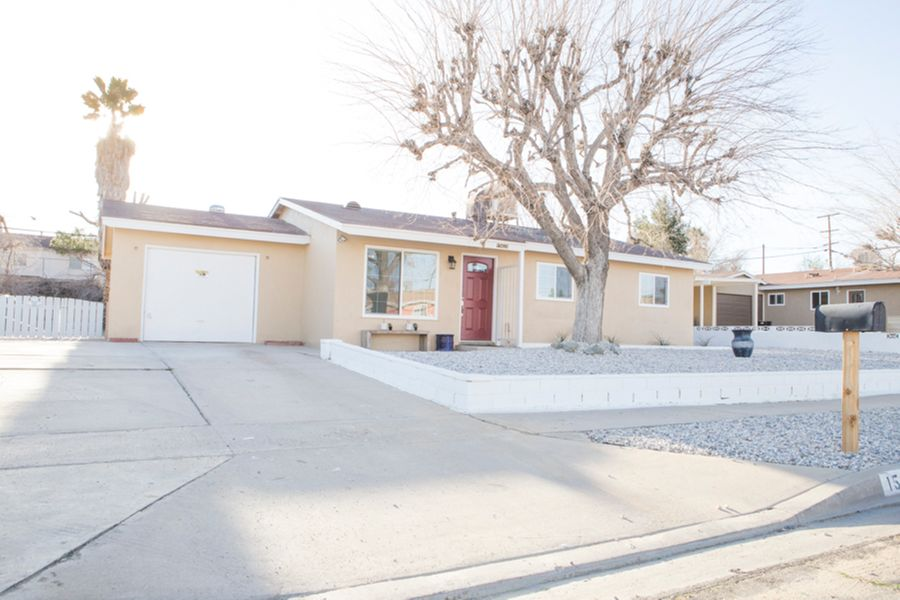 Victorville_-_front