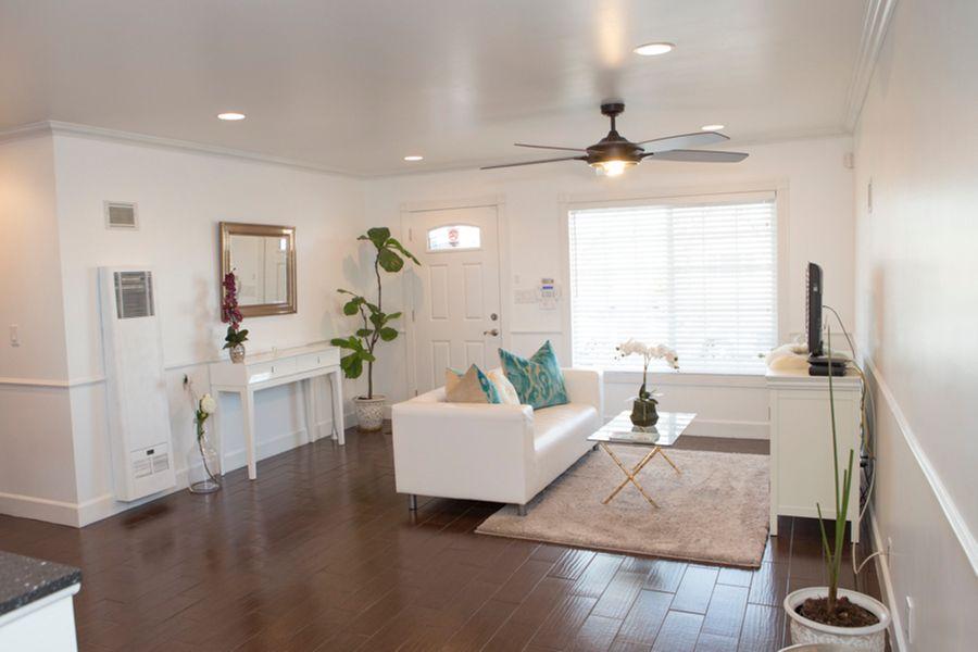 Victorville_-_living_room