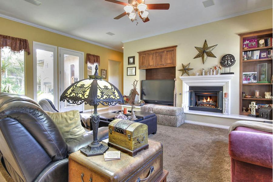 bakersfield-living-room