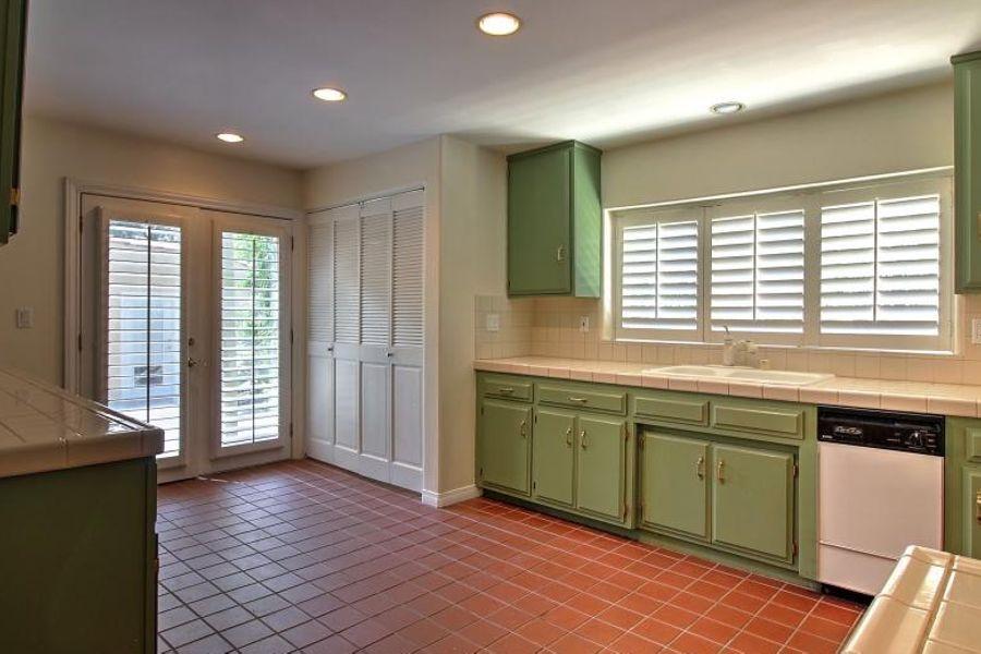 LA_-_kitchen