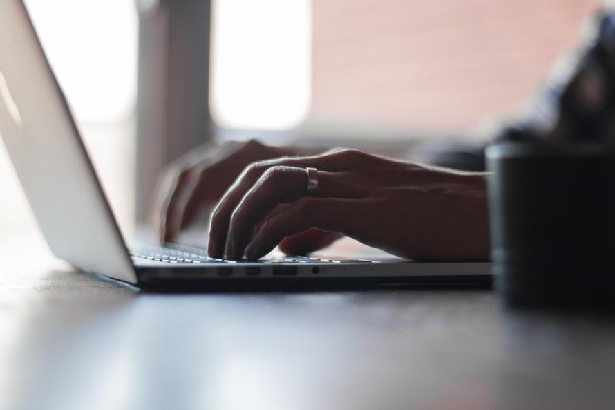 typing-listing-description