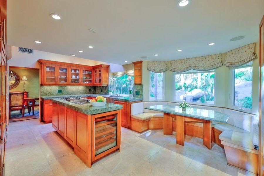 calabasas_kitchen
