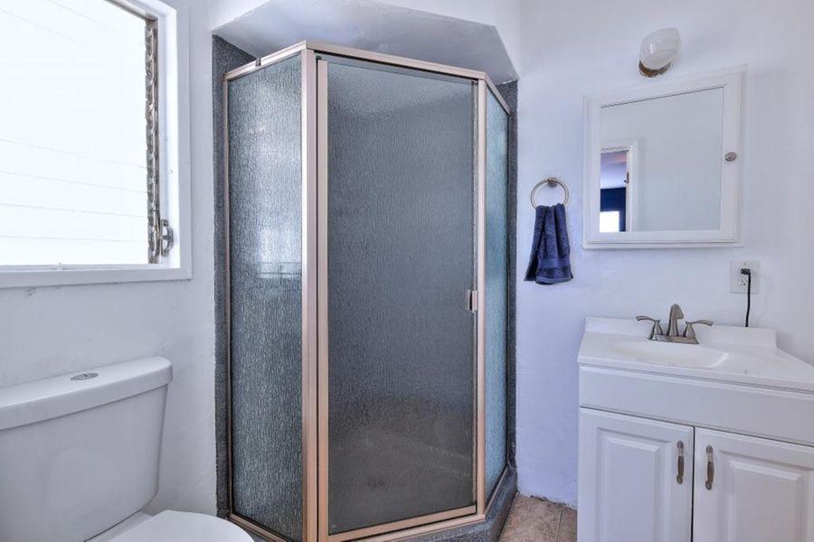 5923_Bathroom