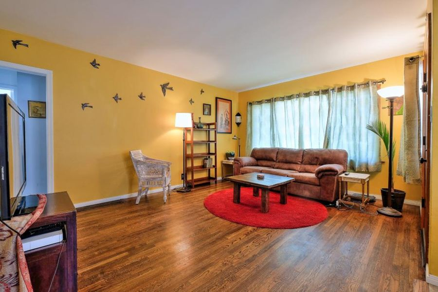 5923_Living_Room