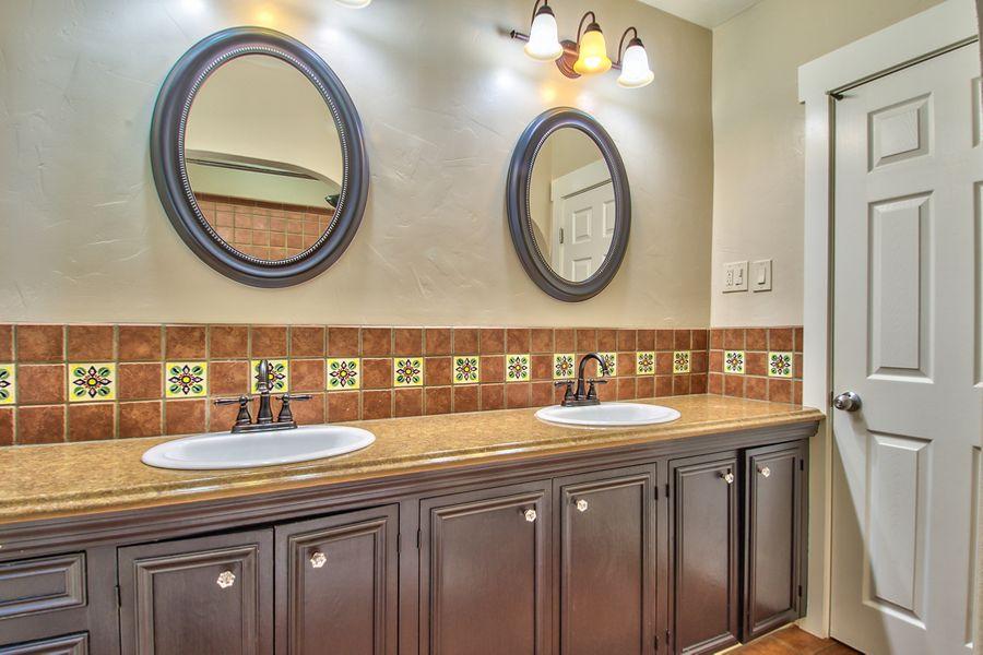 SanBernadino_bathroom
