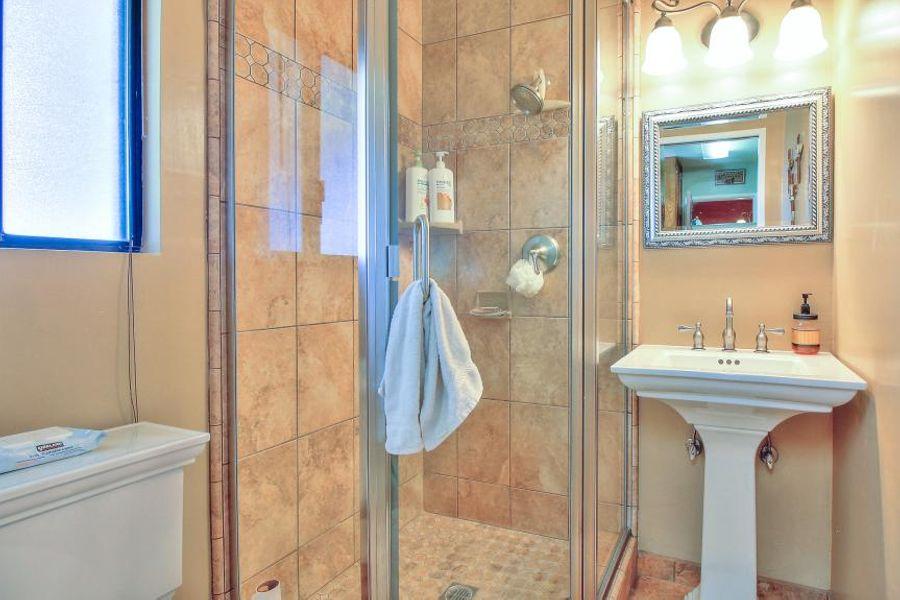 bakersfield-bathroom