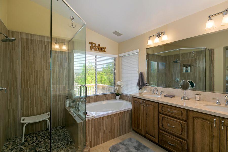 13659-Bathroom