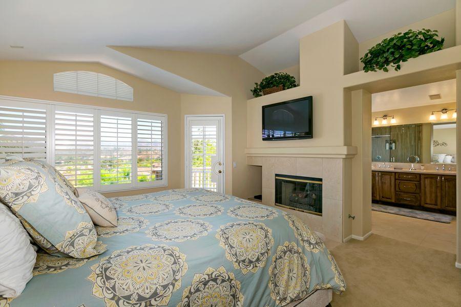 13659-Bedroom