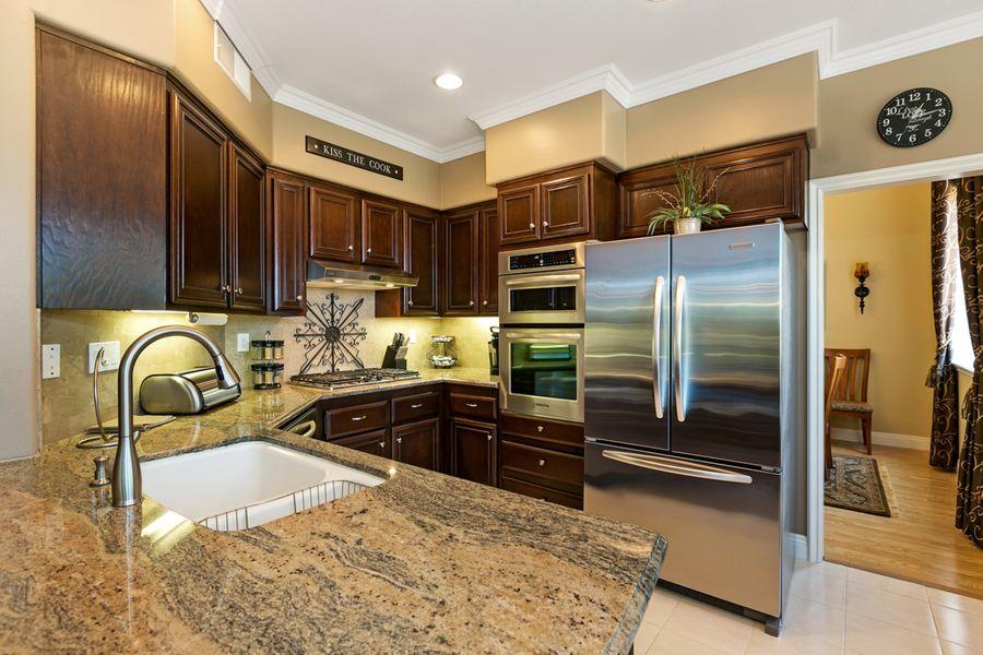 13659-Kitchen