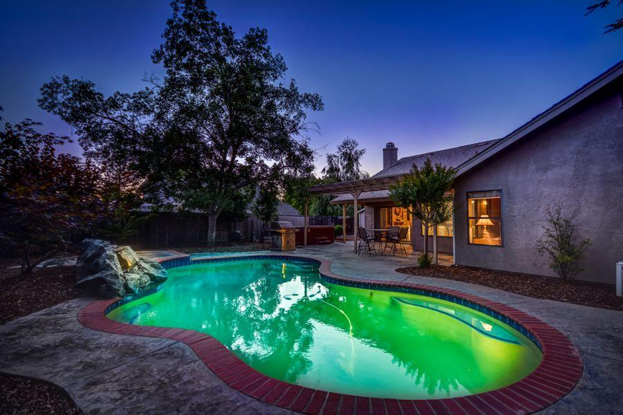 1689-Backyard