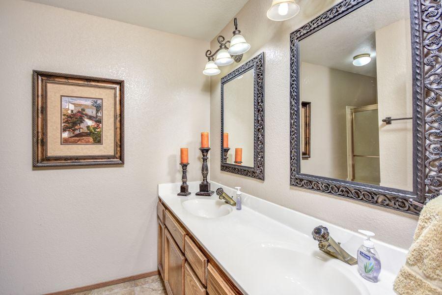 1689-Bathroom