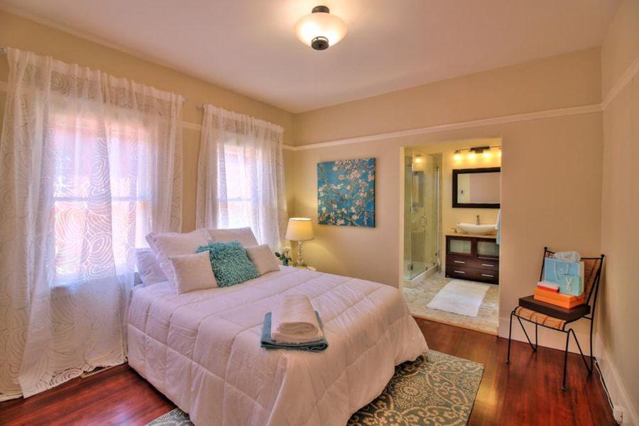 5332-Bedroom