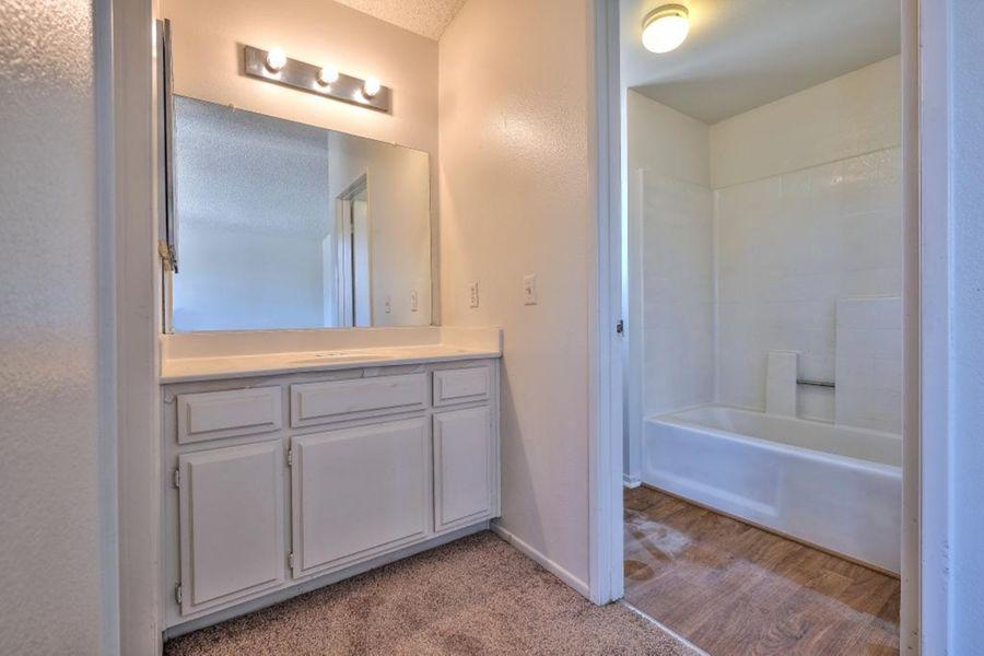 7556-Bathroom