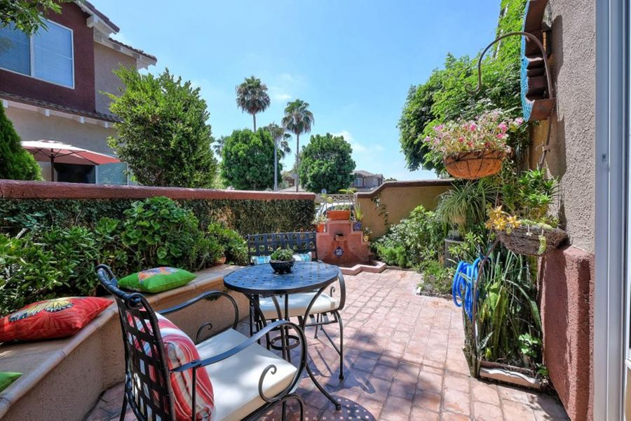 Foothill_Ranch_patio