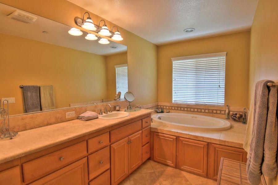 4005-Bathroom