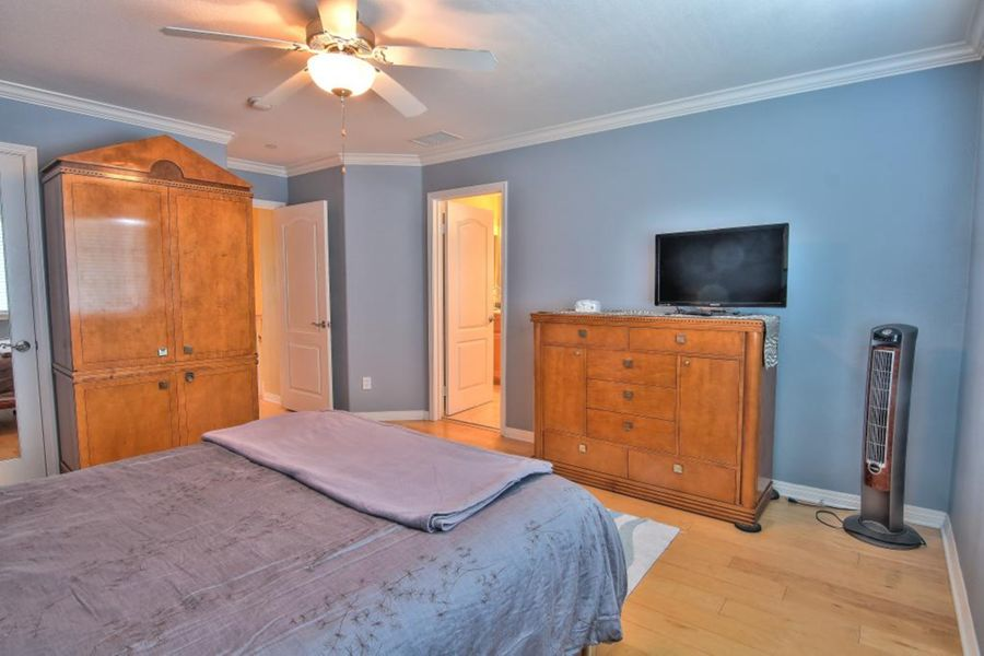 4005-Bedroom