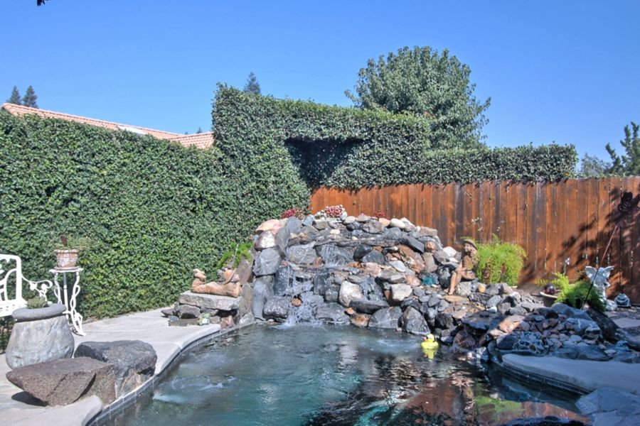 Fresno-yard