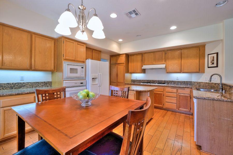 Palmdale_kitchen