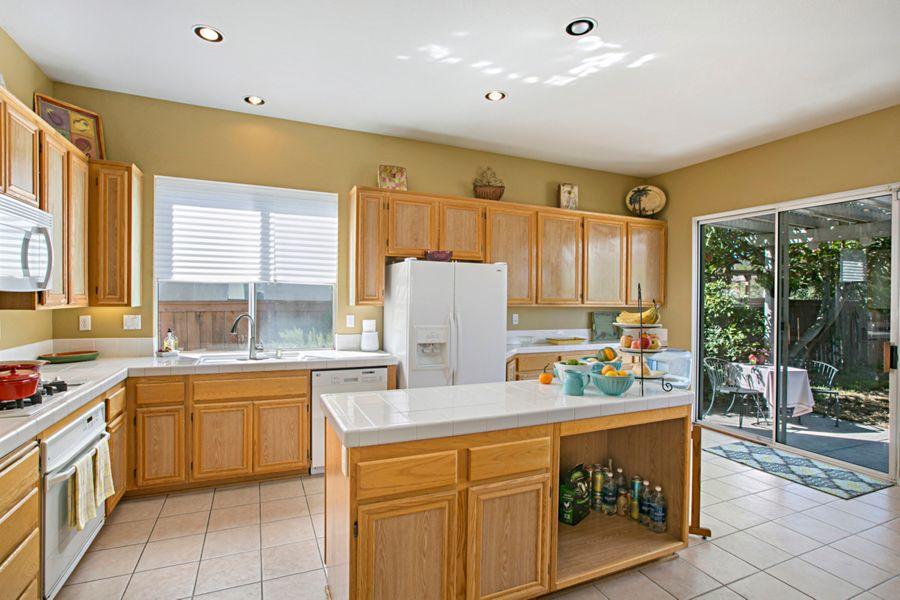Poway-12420-kitchen