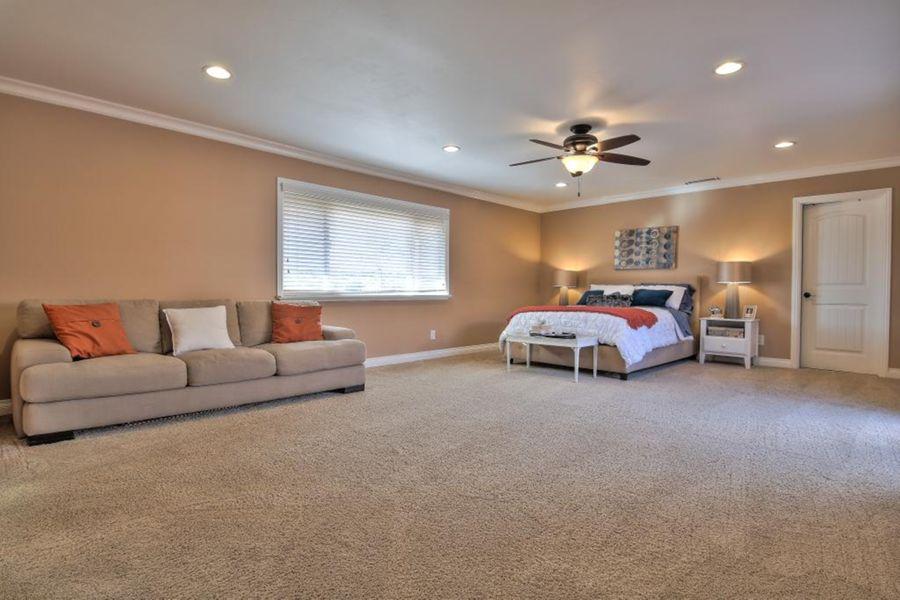 1539 Bedroom