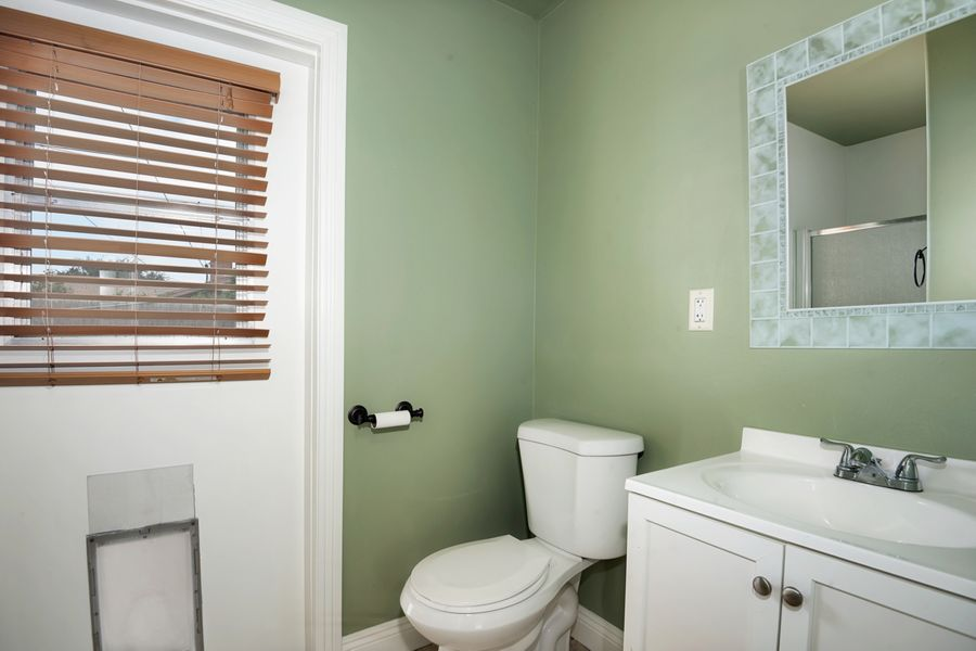 8041 Bathroom