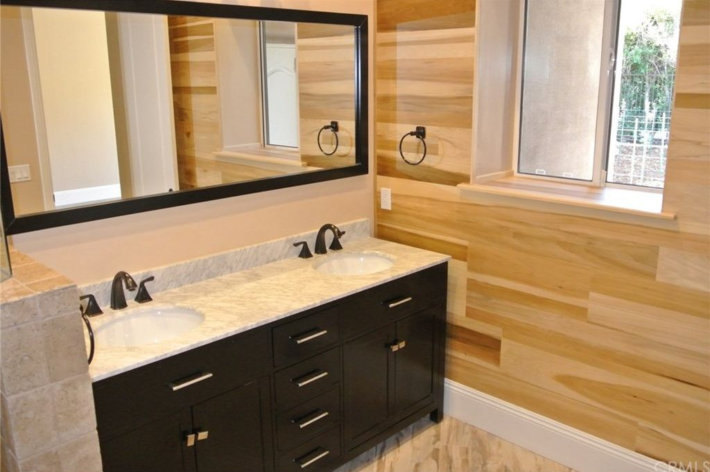Palm-Springs-333-bathroom