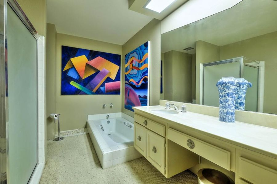 1029 Bathroom