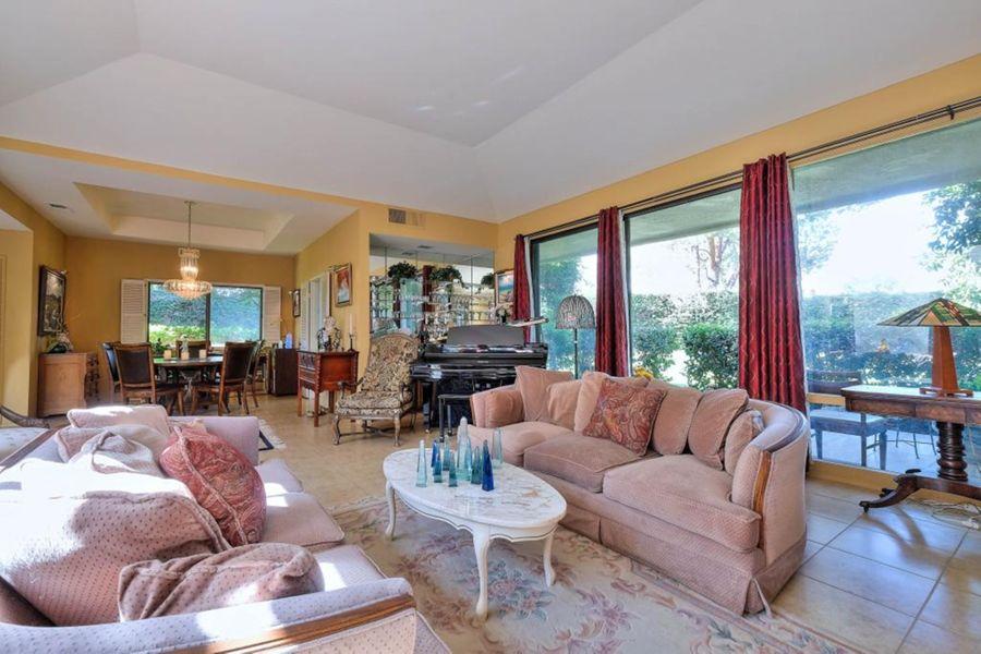 1029 Living Room