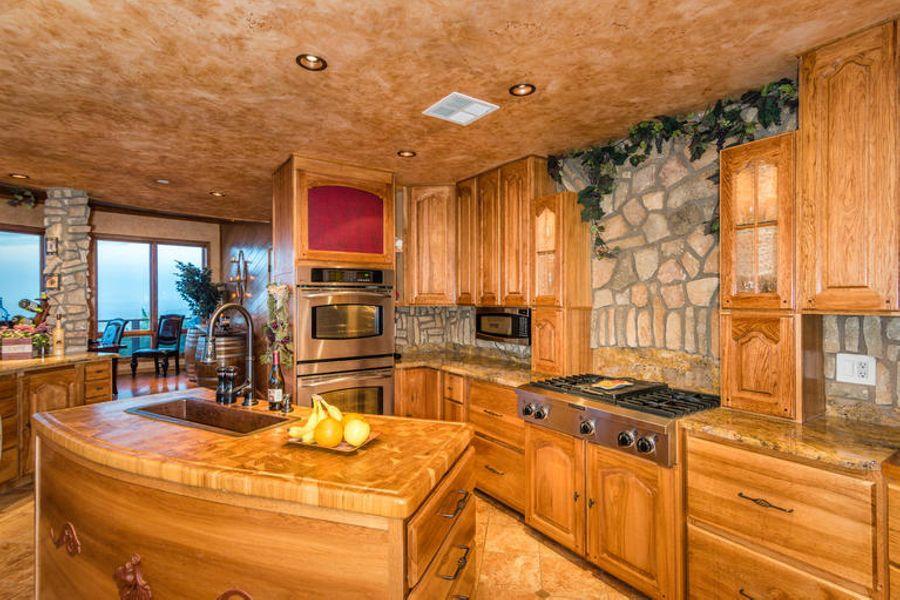 Kitchen3570
