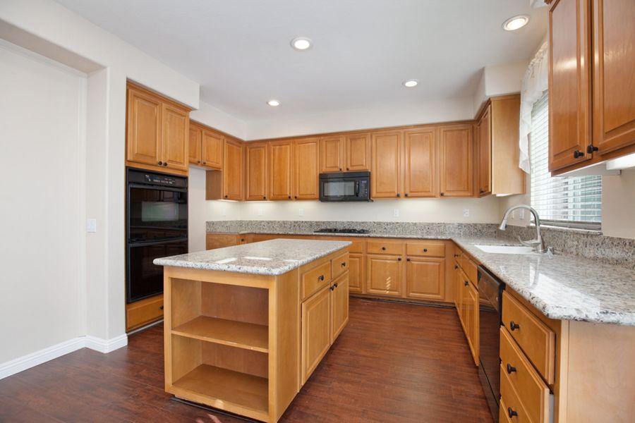 Temecula-32033-kitchen