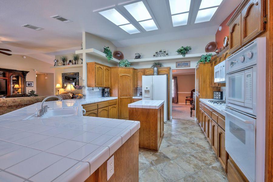 AppleValley-16365-kitchen