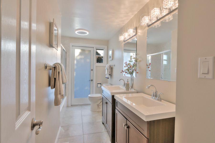 Sunnyvale-1657-bathroom