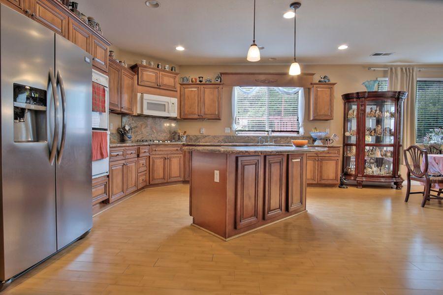 Yucaipla-11803-kitchen