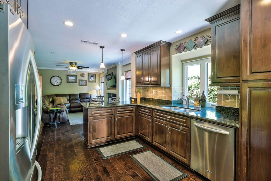 YorbaLinda-6250-kitchen