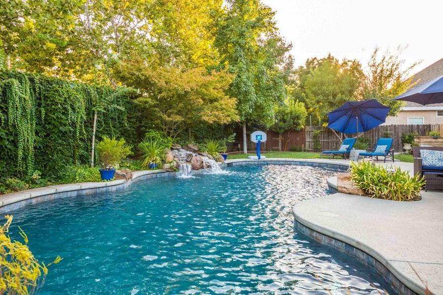 Chico-445-pool