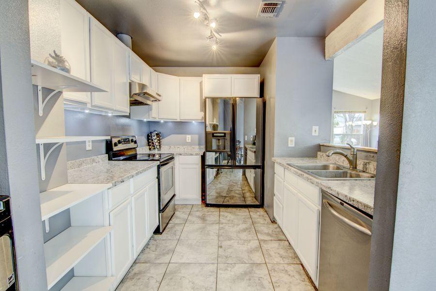 Sacramento-3205-kitchen