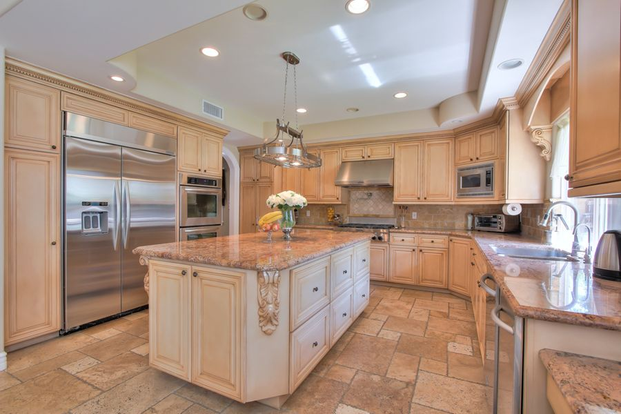 Tarzana-5354-kitchen