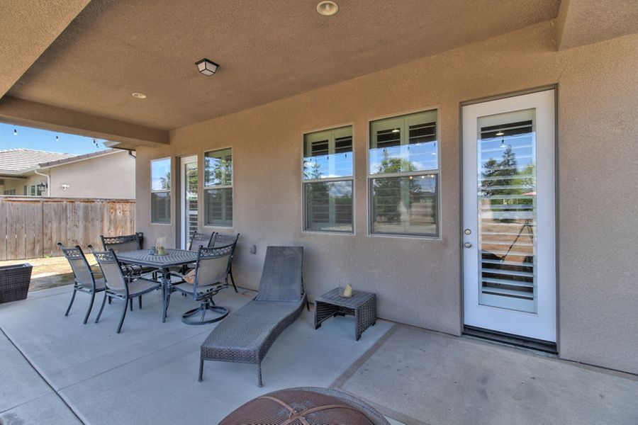 Visalia-4032-patio
