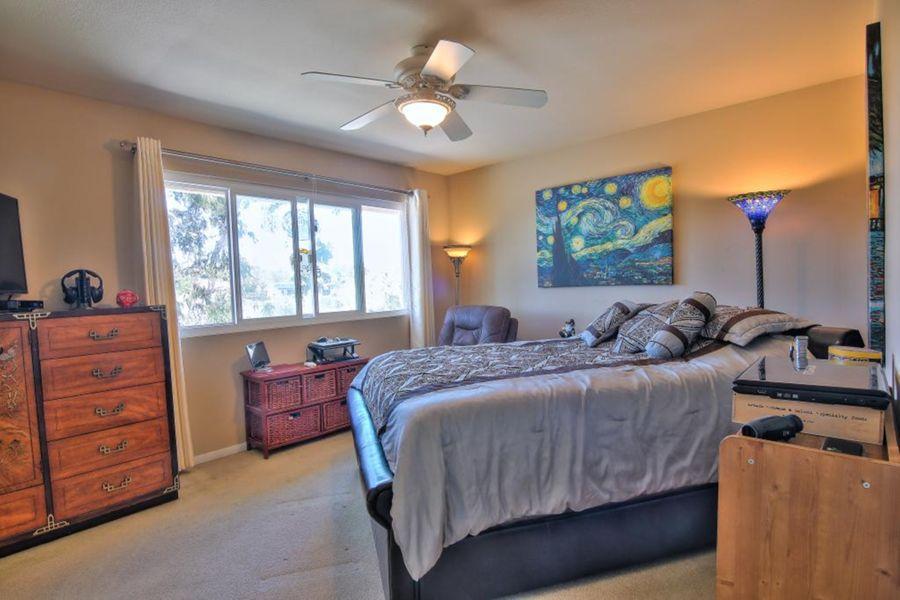 1593 Bedroom
