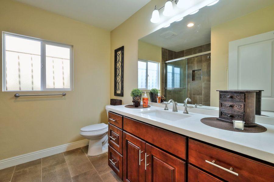 LongBeach-1831-bathroom