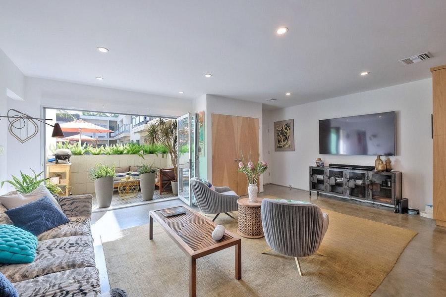WestHollywood-1233-living